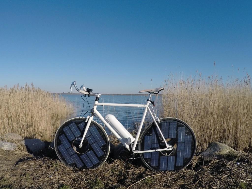 Xe đạp điện chạy bằng năng lượng mắt trời